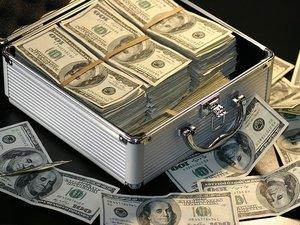 Amazon Joins Trillion Dollar Club